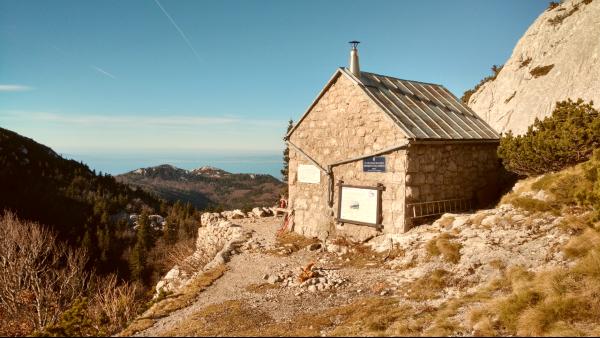 Velebit Rosijeva bivak hut in Lika, Kroatië